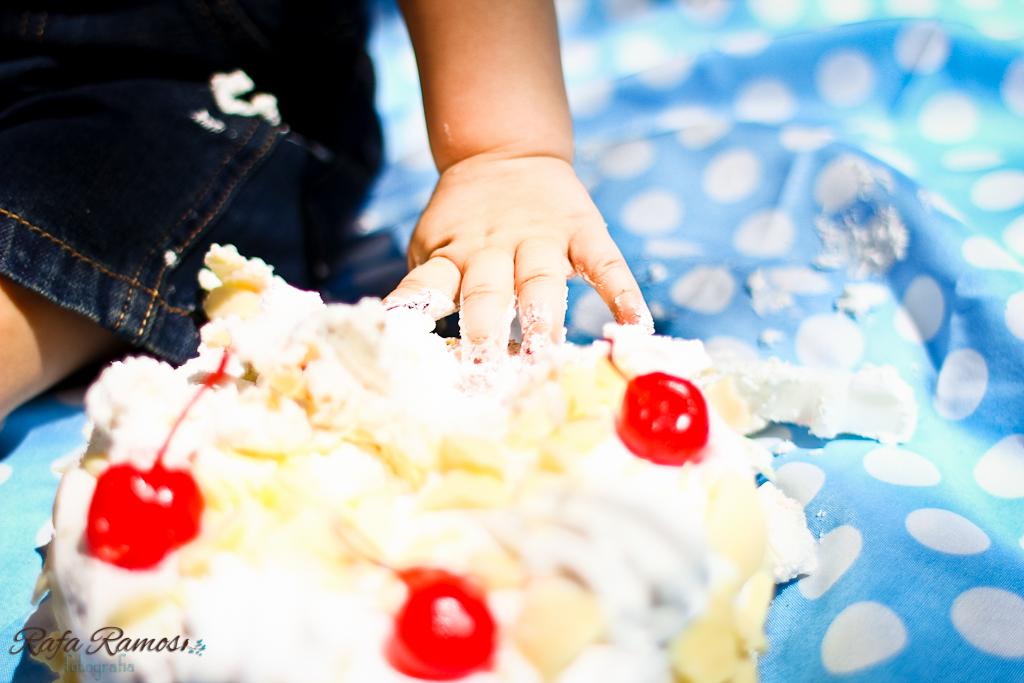 ensaio smash the cake, ensaio divertido, ensaio criativo, smash the cake, Fotografia de Familia, ensaio externo, São paulo, SP, ensaio fotografico, esmague o bolo, ensaio bebê com bolo, fotografia de casamento, Rafa Ramos Fotografia de casamento e família, Rafa Fotos, Rafa fotografo, melhores fotografos de casamento do brasil,Smash the cake - Felipe (9)