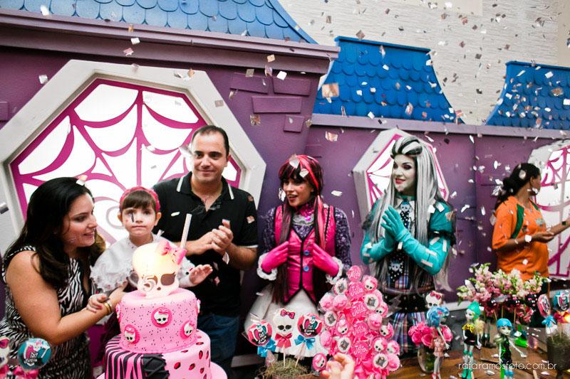 Fotografia de aniversário, festa infantil, Decoração festa Monster High, Festa no tatuapé, Fotografo Tatuapé, fotografia no Tatuapé, fotografo de casamento e família, Rafa Ramos Fotografia,Fotos_aniversario_julia1 (43)