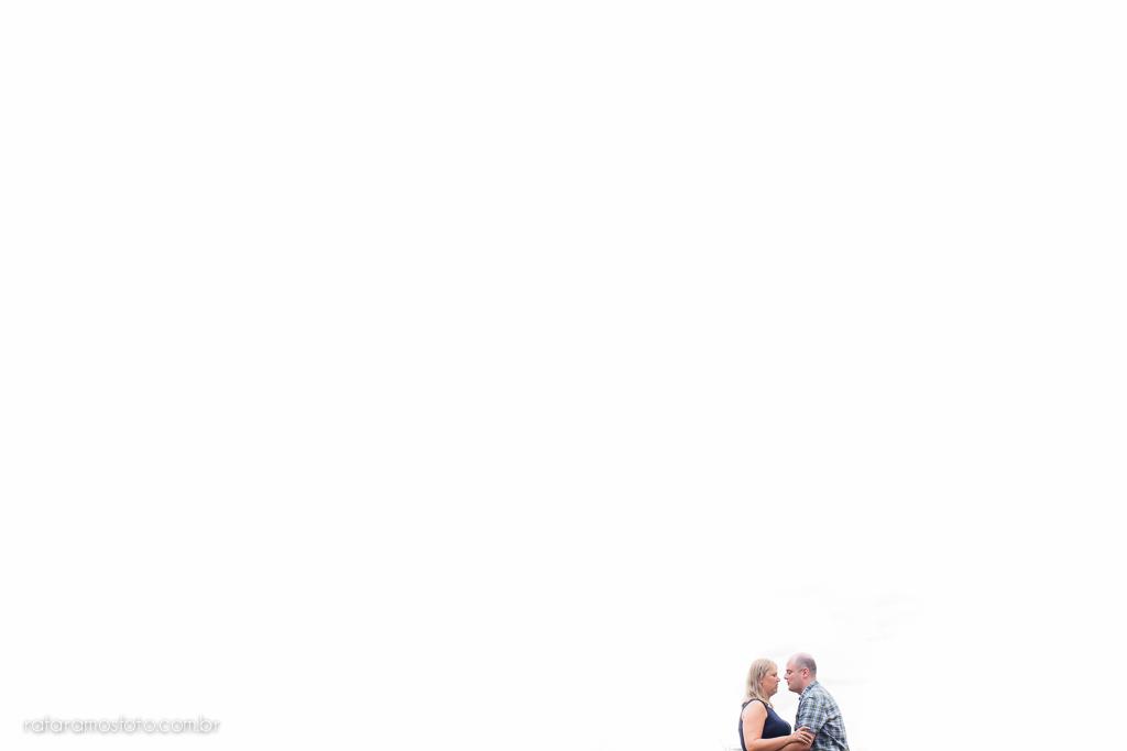 Ensaio de casal, ensaio externo, ensaio fotografico, fotografo, casamento, fotografo de casamento, noivos, noivo, noiva, pre casamento, save the date, fotografia criativa, fotografia de casamento, fotos de casamento, blog de fotografia, casamento RJ, casamento SP, casamento MG, Rafa Ramos Fotografia, Melhores Fotógrafos de Casamento do Mundo, Melhores Fotógrafos de Casamento de SP , Rafa Fotos , Rafa fotografo, Rafa Ramos Fotografo de casamento e Família,Ensaio_de_casal_museu_do_futebol_00009