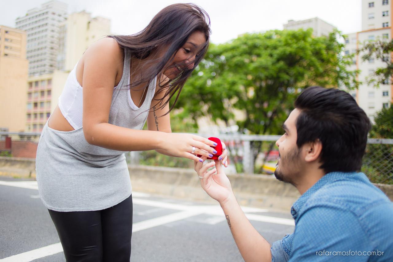 Ensaio-de-casal-ensaio-de-noivado-ensaio-pre-casamento-minhocao-sao-paulo-pedido-de-noivado-Rafa-Ramos-fotografo-de-casamento-0004-2