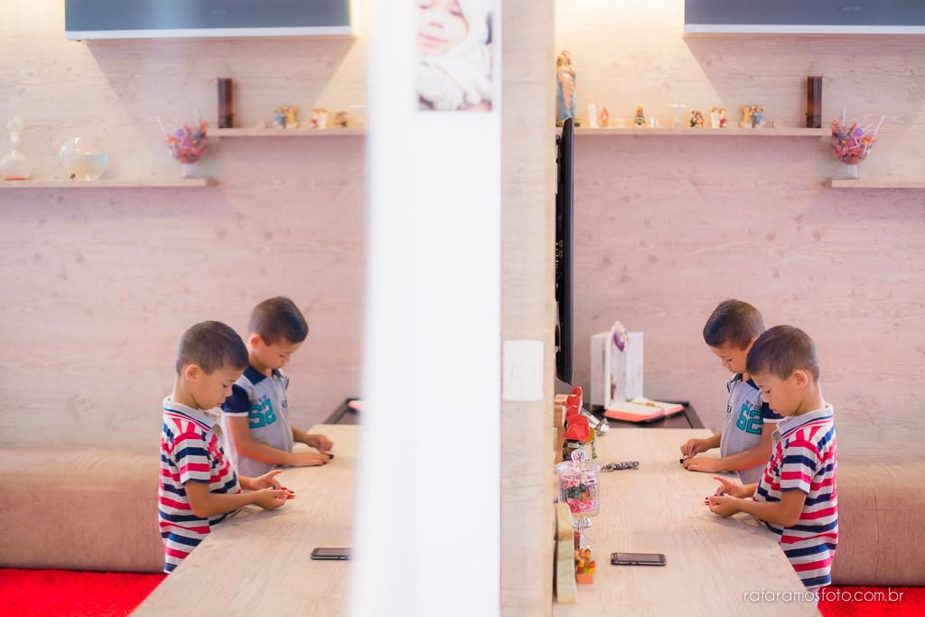 Ensaio de familia em casa ensaio de gemeos ensaio infantil ensaio divertido ensaio de familia com gemeos lifestyle Rafa Ramos Fotografia 2632