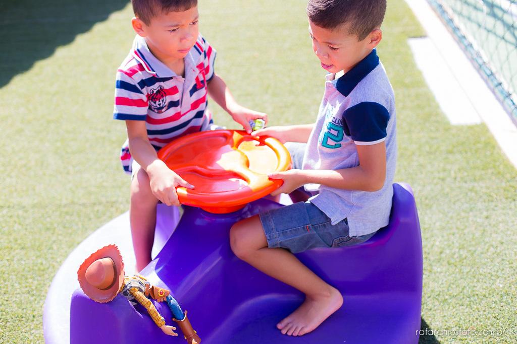 Ensaio de familia em casa ensaio de gemeos ensaio infantil ensaio divertido ensaio de familia com gemeos lifestyle Rafa Ramos Fotografia 2666