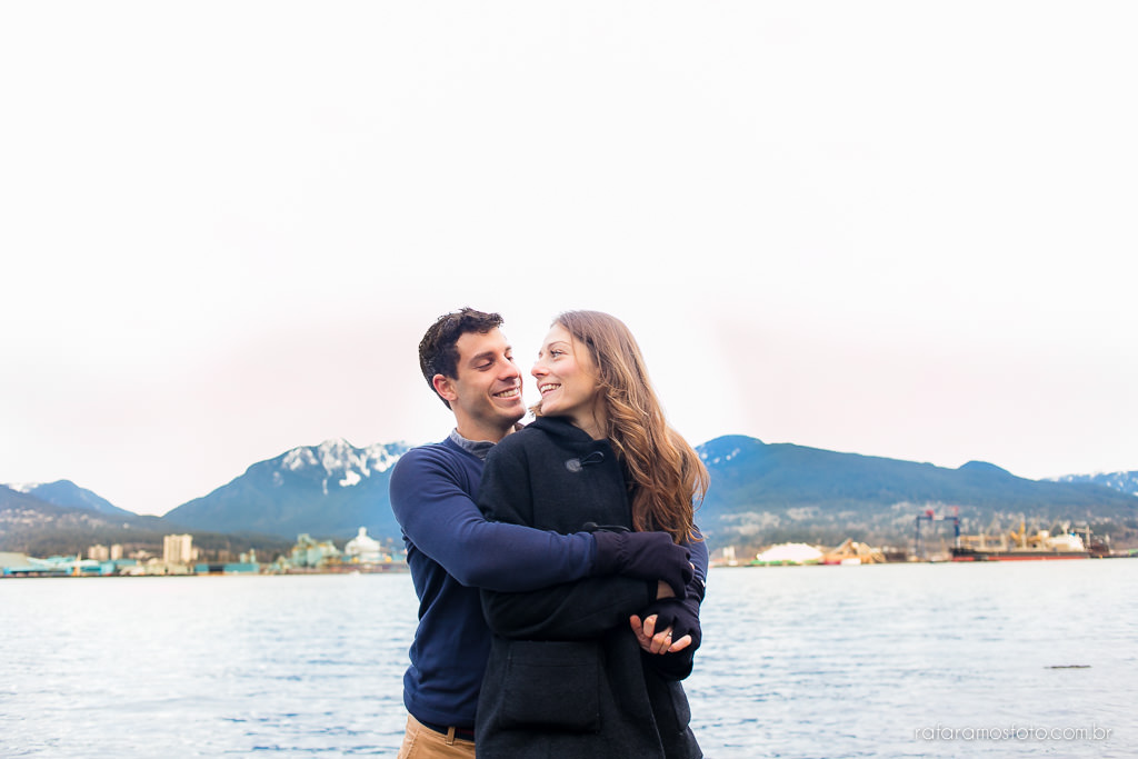 Engagement Session Vancouver BC e-session vancouver canada destination wedding photographer Vancouver 00008