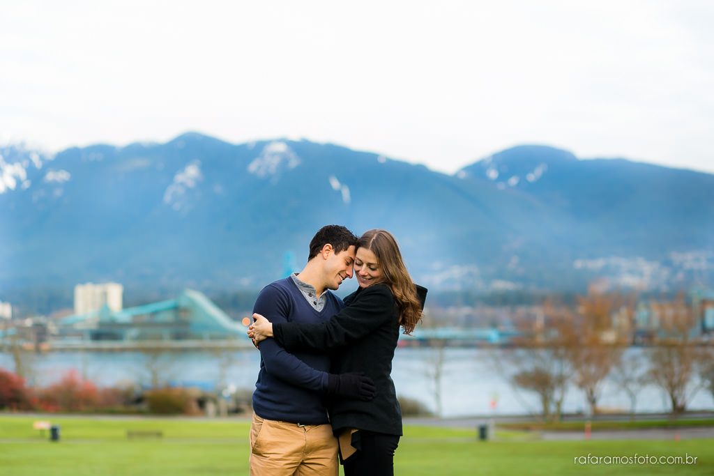 Engagement Session Vancouver BC e-session vancouver canada destination wedding photographer Vancouver 00024