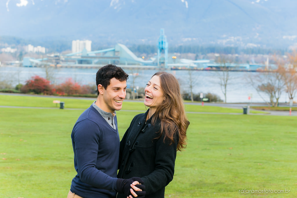 Engagement Session Vancouver BC e-session vancouver canada destination wedding photographer Vancouver 00025