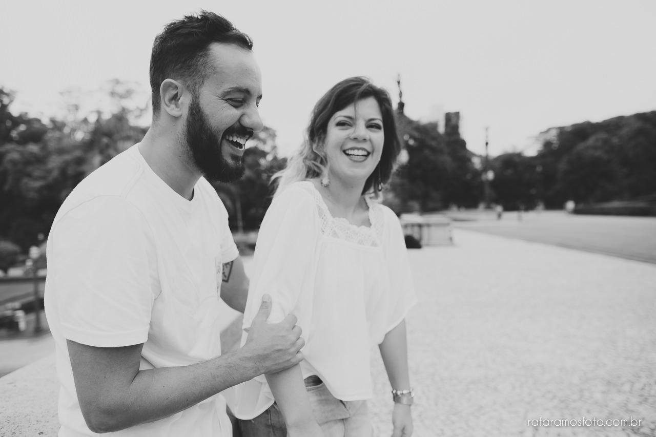 fotografo para casamento, ensaio de casal diferente, ensaio de casal criativo,Ensaio-casal-pre-casamento-sp-museu-do-ipiranga-parque-da-independencia-fotografo-de-casamento-sao-paulo-00005
