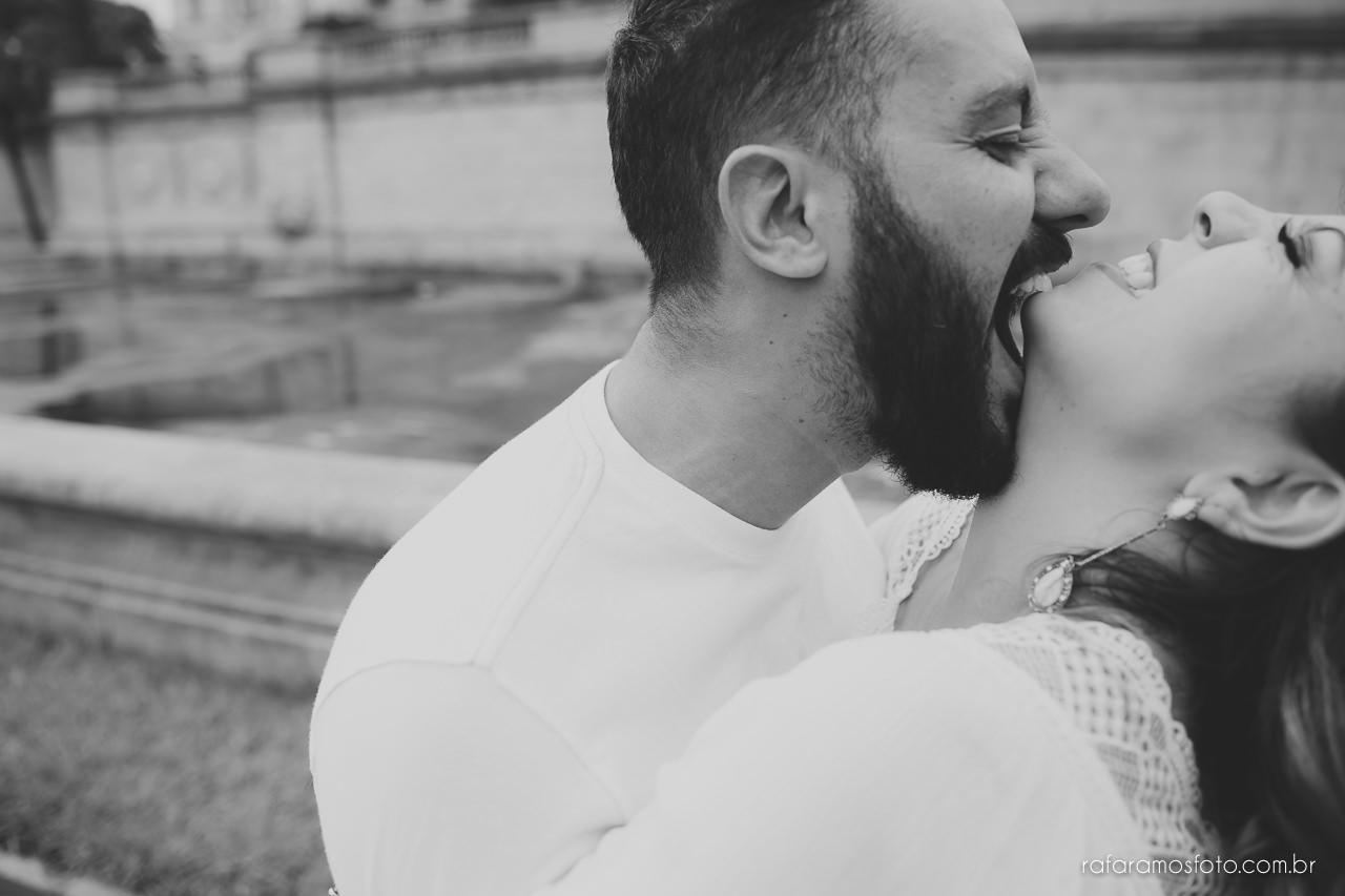 fotografo para casamento, ensaio de casal diferente, ensaio de casal criativo,Ensaio-casal-pre-casamento-sp-museu-do-ipiranga-parque-da-independencia-fotografo-de-casamento-sao-paulo-00008