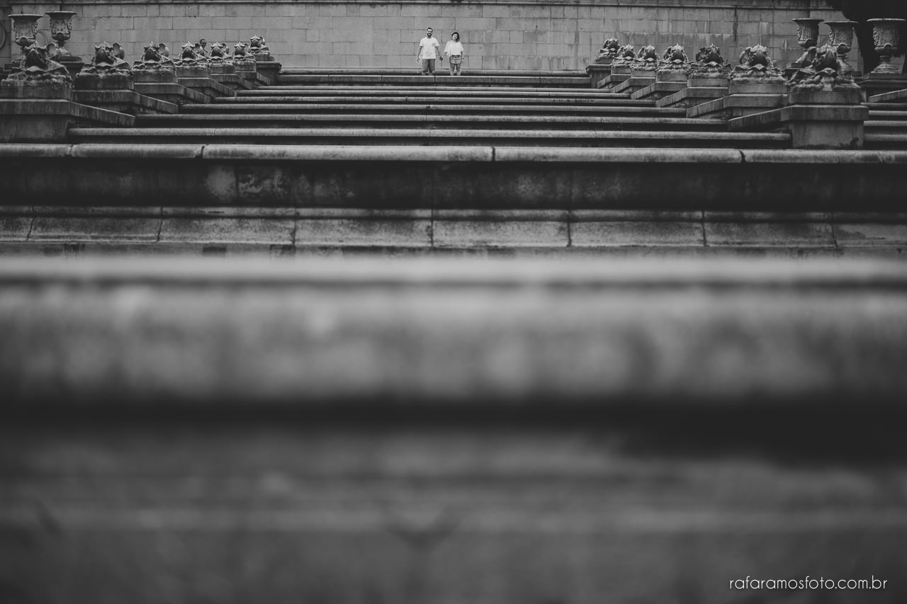 fotografo para casamento, ensaio de casal diferente, ensaio de casal criativo,Ensaio-casal-pre-casamento-sp-museu-do-ipiranga-parque-da-independencia-fotografo-de-casamento-sao-paulo-00009