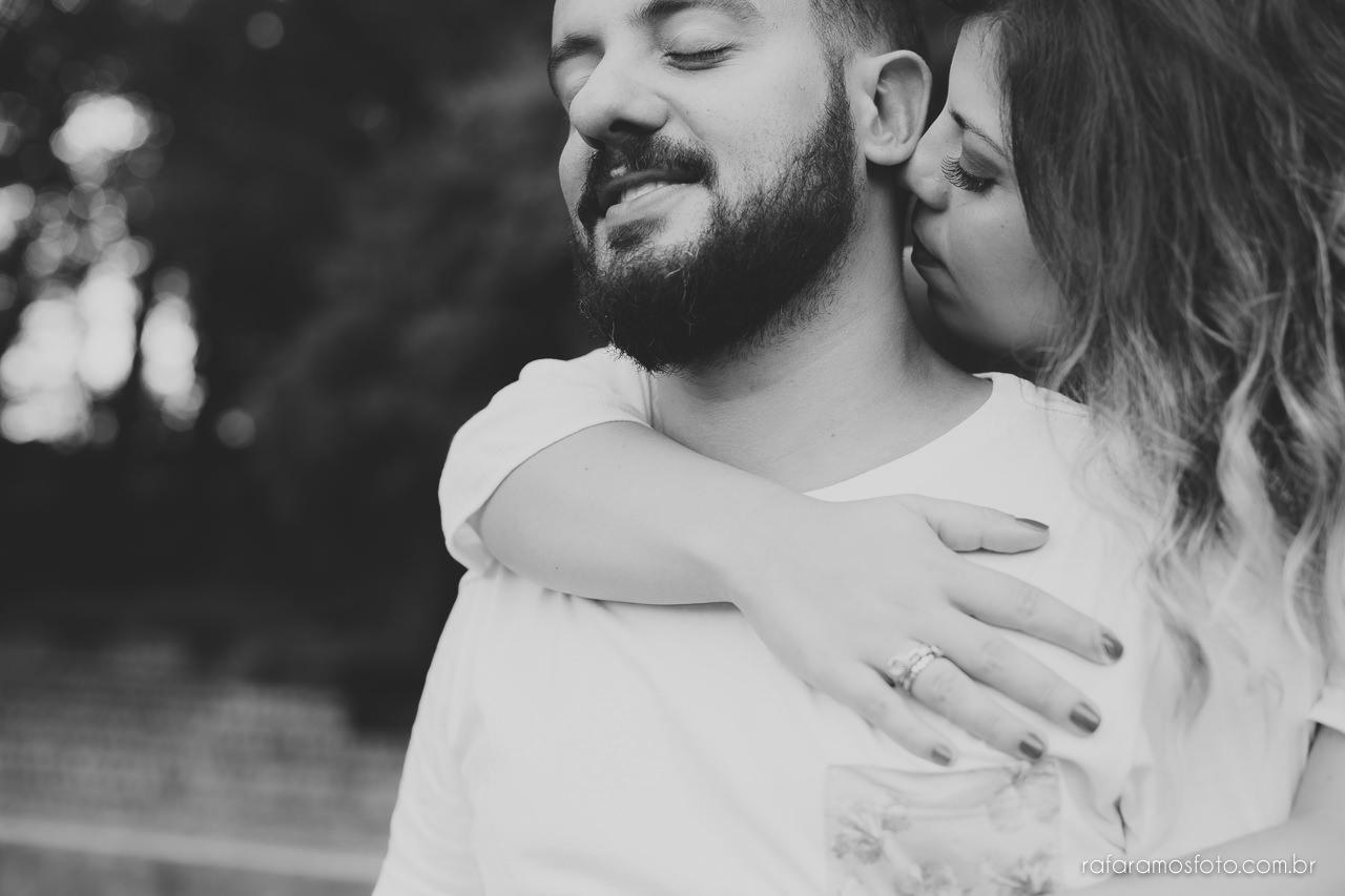 fotografo para casamento, ensaio de casal diferente, ensaio de casal criativo,Ensaio-casal-pre-casamento-sp-museu-do-ipiranga-parque-da-independencia-fotografo-de-casamento-sao-paulo-00016