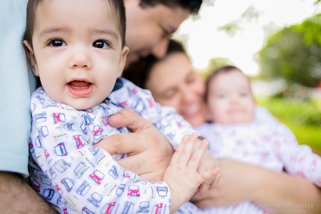 Acompanhamento infantil gêmeos, ensaio de bebes gêmeos no parque ensaio de familia no parque acompanhemento infantil bebe 6 meses 00007