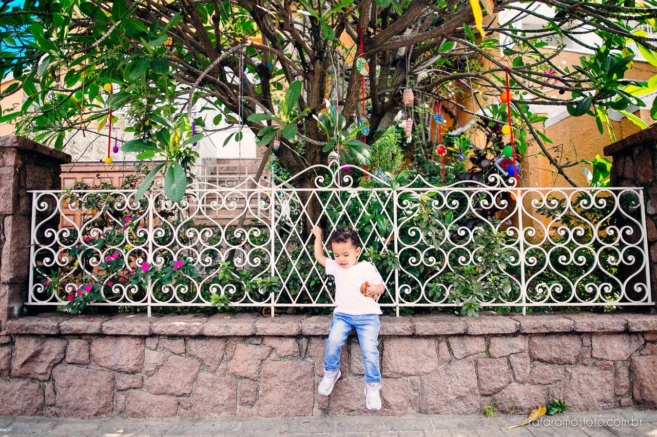 ensaio-de-familia-aclimacao-ensio-de-familia-ensaio-documental-de-familia-divertido-ensaio-lifestyle-ensaio-de-familia-em-casa-fotografia-de-familia-rafa-ramos-fotografo-de-casamento-e-familia-em-sp-casa-lila-00013