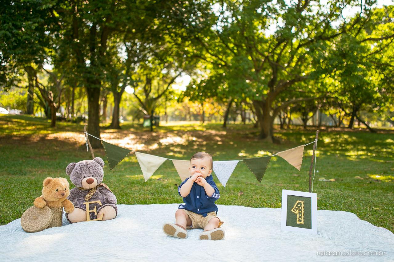 ensaio-smash-the-cake-ensaio-bebe-com-bolo-ensaio-bebe-no-parque-ensaio-de-familia-ensaio-divertido-fotografo-de-familia-sp-00010