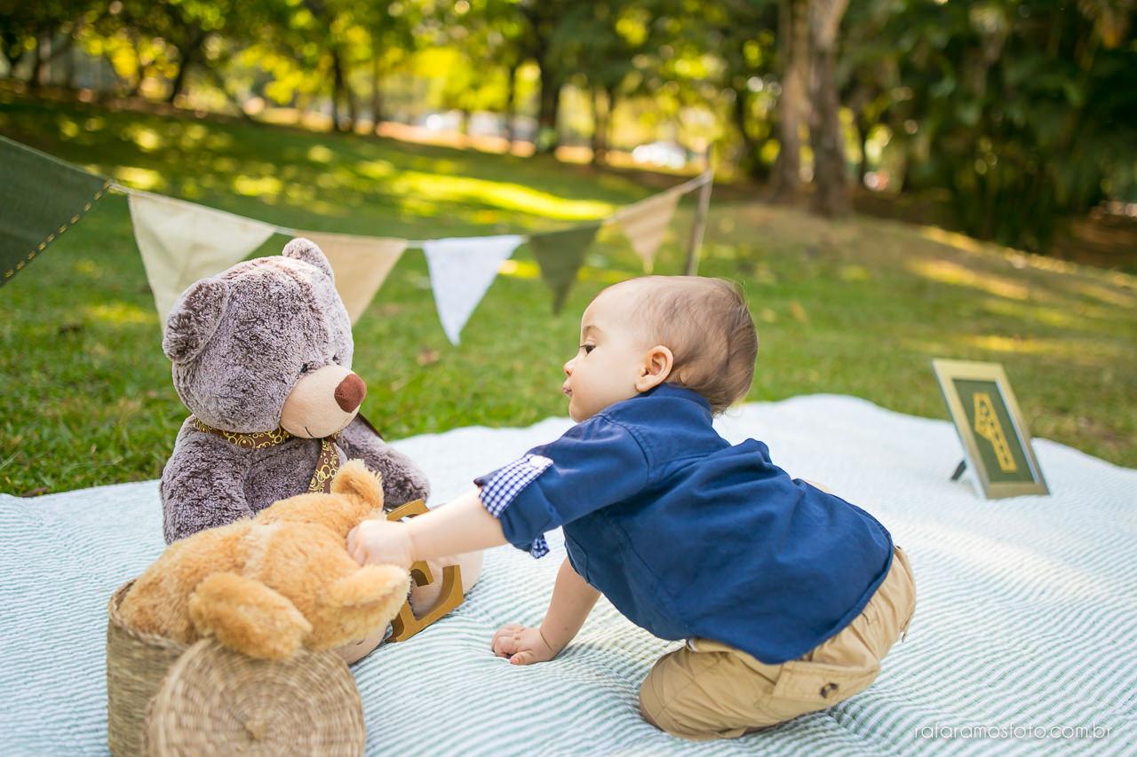 ensaio-smash-the-cake-ensaio-bebe-com-bolo-ensaio-bebe-no-parque-ensaio-de-familia-ensaio-divertido-fotografo-de-familia-sp-00011