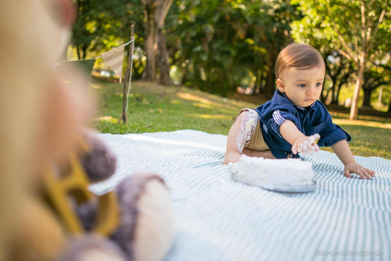 ensaio-smash-the-cake-ensaio-bebe-com-bolo-ensaio-bebe-no-parque-ensaio-de-familia-ensaio-divertido-fotografo-de-familia-sp-00019
