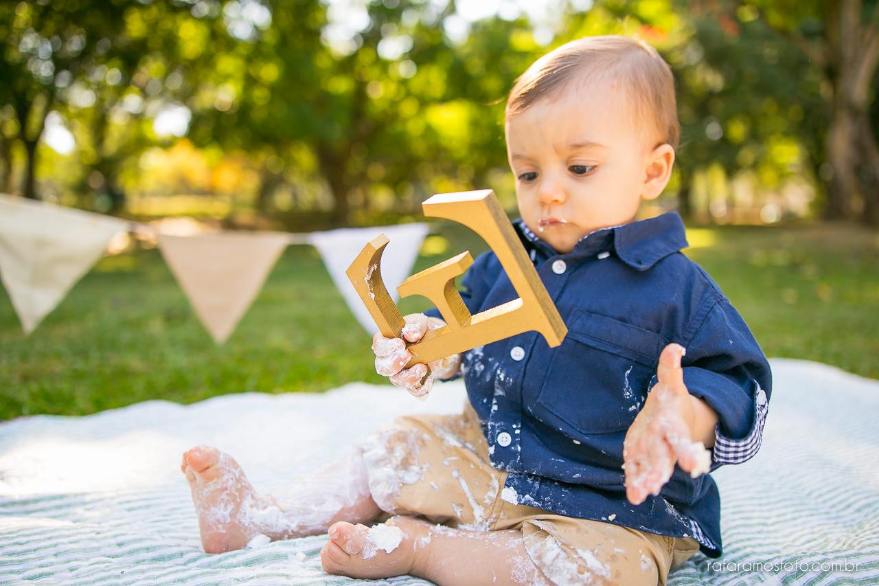 ensaio-smash-the-cake-ensaio-bebe-com-bolo-ensaio-bebe-no-parque-ensaio-de-familia-ensaio-divertido-fotografo-de-familia-sp-00023