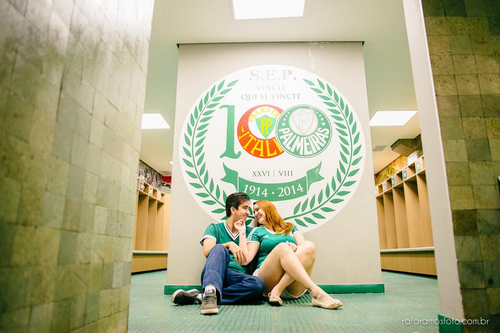 ensaio-de-casal-estadio-de-futebol-ensaio-de-casal-palestra-italia-alianz-parque-ensaio-de-casal-em-sao-paulo-fotografo-de-casamento-sp-00006