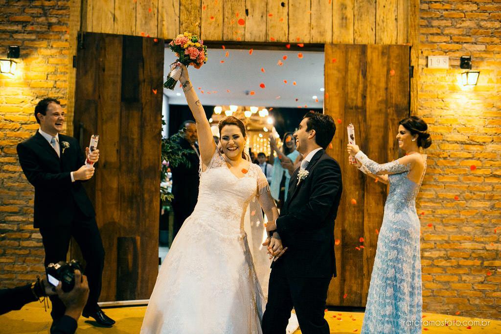 fotografia de casamento espaço villa da mooca fotografo de casamento intimista decoração rustica 00039