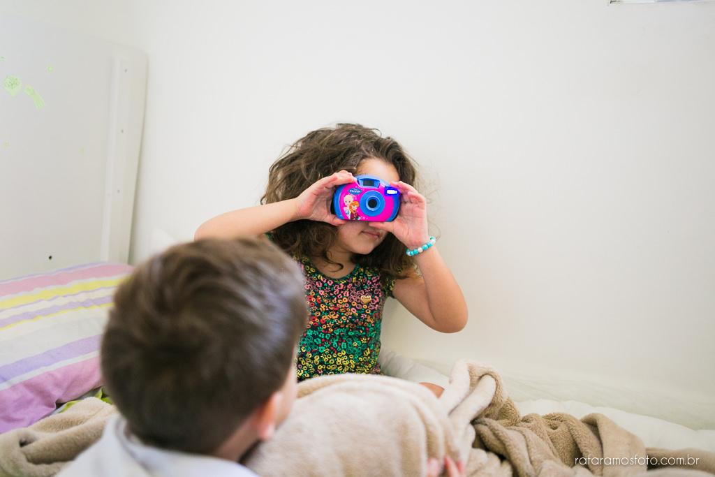 acompanhamento infantil,ensaio de família,ensaio em casa, fotografia documental de família, ensaio lifestyle, fotógrafo zona leste, rafa-ramos-fotografia-de-familia-documental-00003