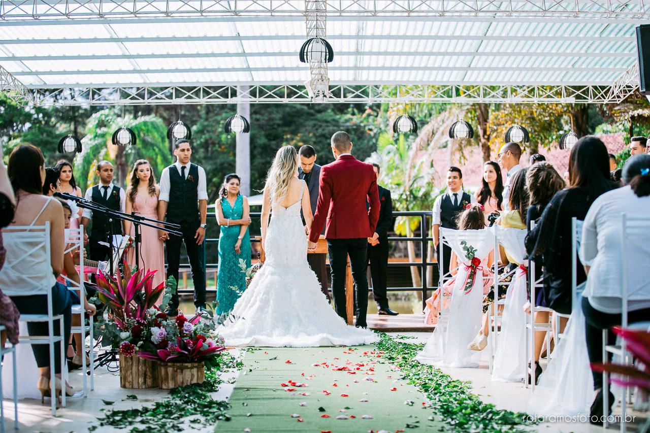 casamento boho chic casamento ao ar livre inspiracao roupa noivo terno marsala fotografo de casamento interior sp 084