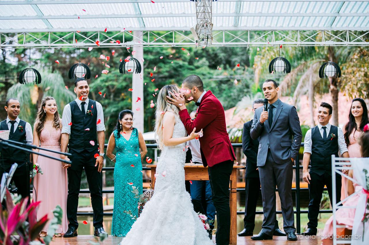 casamento boho chic casamento ao ar livre inspiracao roupa noivo terno marsala fotografo de casamento interior sp 095