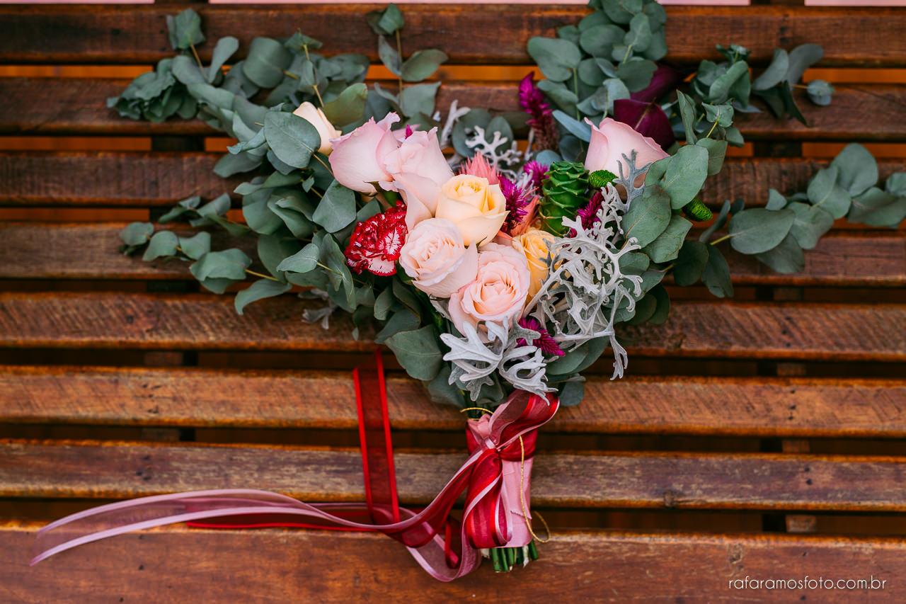 casamento boho chic casamento ao ar livre inspiracao roupa noivo terno marsala fotografo de casamento interior sp 165