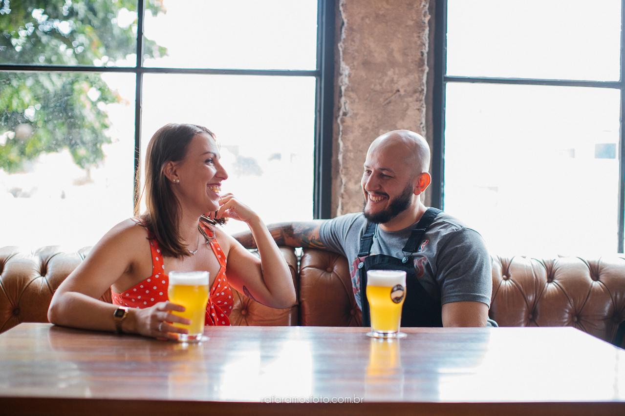 ensaio de casal , ensaio pre casamento, ensaio casal urbano, ensaio de casal na cidade, ensaio de casal na cervejaria, ensaio de casal em sao paulo, fotografo de casal em sp, rafa ramos fotografia