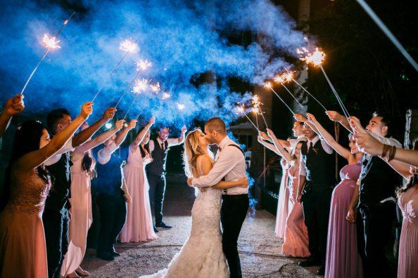 inspiração saida dos noivos com sparkles fotografo de casamento