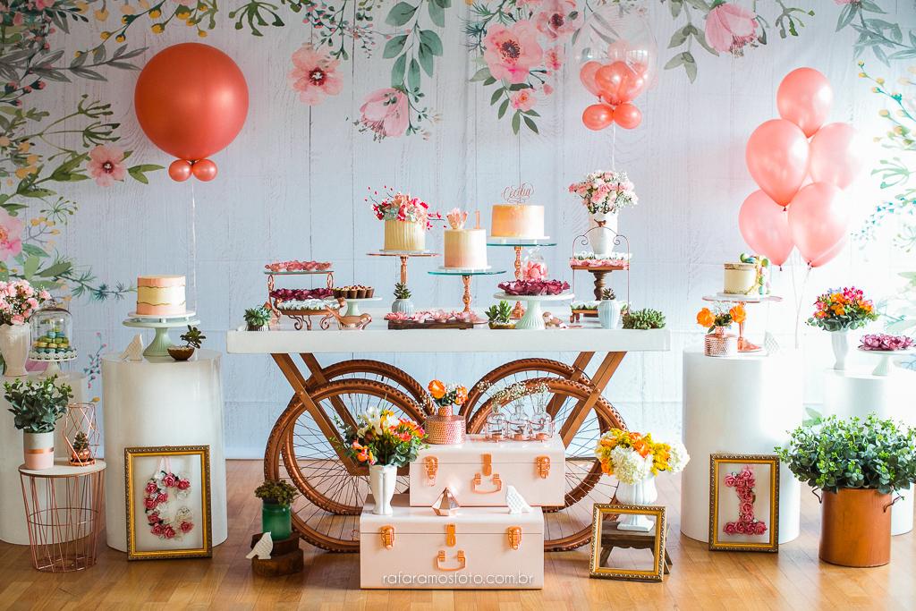 Mesa de bolo aniversario menina