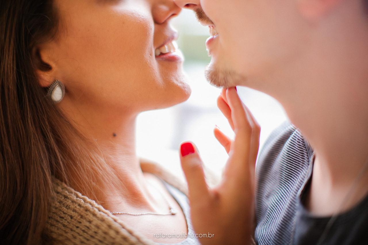 ensaio casal intimista ensaio pre wedding em casa ensaio em casa inspiracao ensaio noivos em casa ensaio romantico fotografo casamento osasco